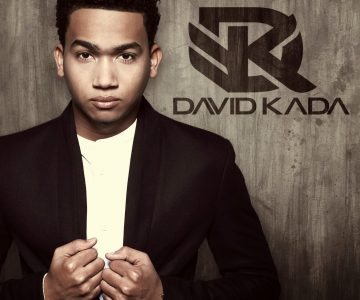 David Kada firma con productor