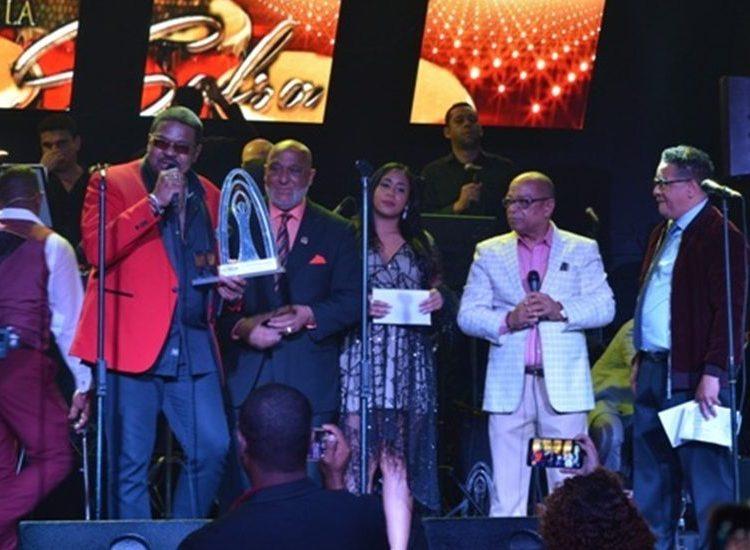 """Premios Conga: Rey Reyes gana el máximo galardón """"El Gran Conga de la Salsa"""""""