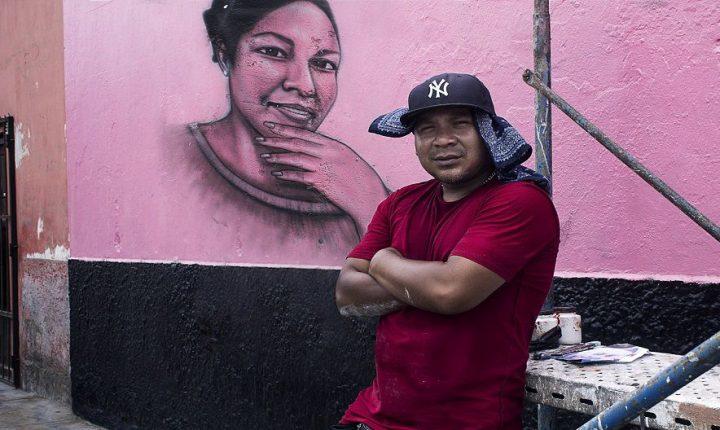 """Conoce a """"El salsa"""" el artista detrás de las caras de Atahualpa en El Callao"""