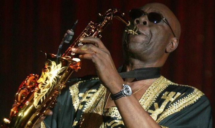 Manu Dibango, saxofonista que alternó con Fania, muere de coronavirus
